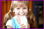 Свежее молоко защищает малышей от инфекций