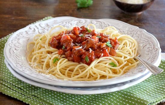 Макароны Болоньезе – попробуйте Италию на вкус! Рецепты приготовления макарон Болоньезе с овощами, грибами, в мультиварке