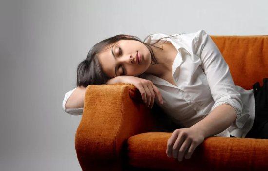 Как проявляются симптомы нехватки витамина В12? Нехватка важного витамина в организме, как распознать симптомы дефицита В12?